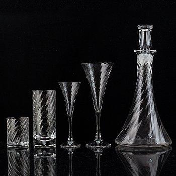 Gunnar Cyrén, a 'Helena' glass service, 33 pieces. Orrefors.