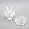 Lalique, skål på fot samt skål, två delar glas, frankrike 1900-talets senare del.