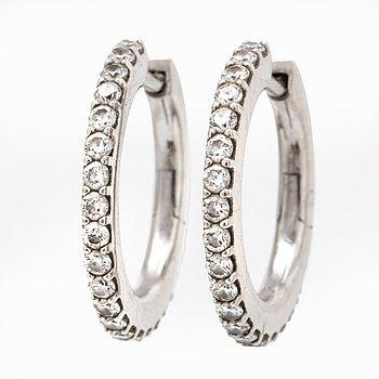 """Lynggaard earrings 18k whitegold, , """"Love Bands"""", brilliant-cut diamonds 0,42 ct TW VS, width approx 16 mm."""