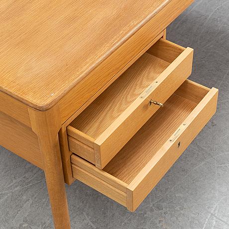 Yngvar sandström, an oak desk, ab seffle möbelfabrik, second half of the 20th century.