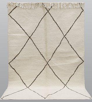 A carpet, kilim, ca 250 x 163 cm.
