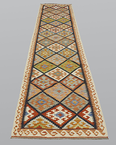 Gallerimatta, kelim, ca 403 x 82 cm.