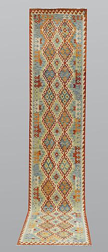 Gallerimatta, kelim, ca 397 x 81 cm.