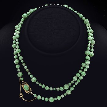 Necklace 14K gold and jadeite.
