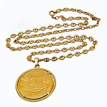 Pendant wiht chain (Gucci-link) 18K gold, one 20 dollar coin mounted into a pendant, 66,5 g.