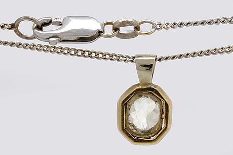 Pendant with chain 14k, 18k godl and whitegold and 1 old-cut diamond approx 1 ct approx j/si.