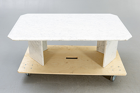 A marble coffee table later part of the 20th century.