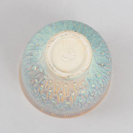 A stoneware bowl by stig lindberg, gustavsberg studio.