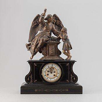 A table clock, 20th century.