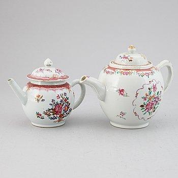 Two famille rose export porcelain teapots, Qing dynasty, Qianlong (1736-95).
