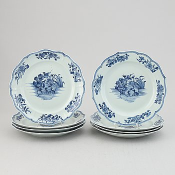 A set of eight blue and white dishes, Qing dynasty, Qianlong (1736-95).
