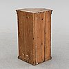 A swedish painted corner cabinet, dated 1825.