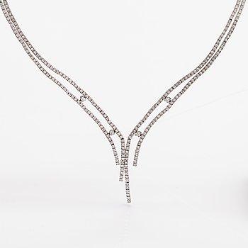 Halsband, 18K vitguld, diamanter ca 2.50 ct tot.