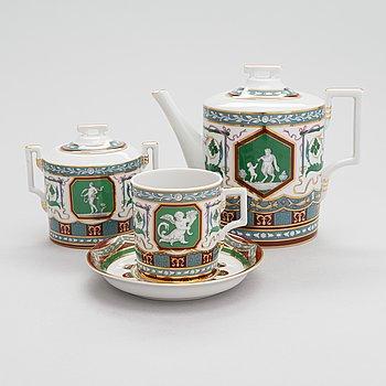 A Lomonosov 8-piece 'Antique' porcelain tea set, around 2000.