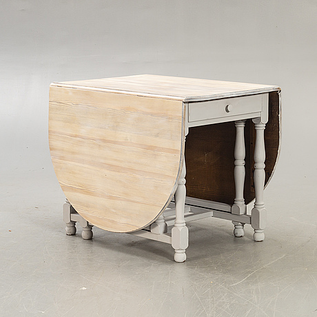 A painted gate leg table mid 1900s.