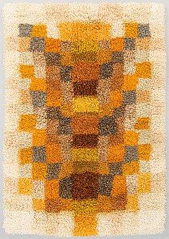 "Terttu Tomero, a Finnish long pile rug ""Chanterelle"" for Neovius. Circa 155 x 106 cm."