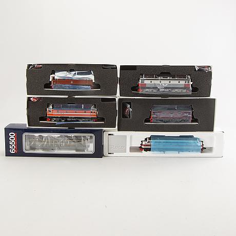 6 roco locomotives, 69483, 65505, 68533, 68532, 68602 and 78538.