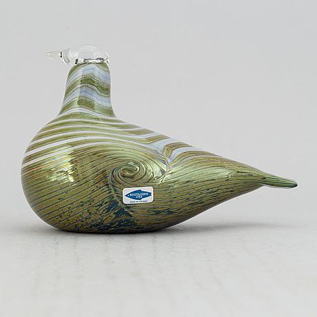 Oiva toikka, a signed glass bird, nuutajärvi, finland.