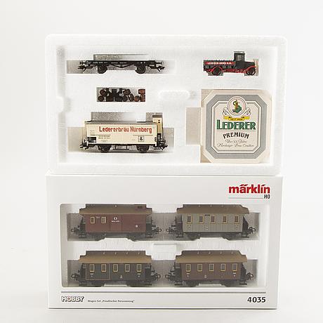 6 märklin wagon sets.