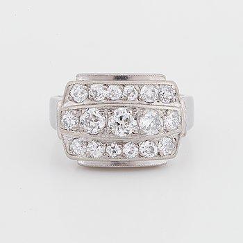 Ring, Hugo Strömdahl AB, Stockholm 1955, 18K white gold, 17 old-cut diamonds.