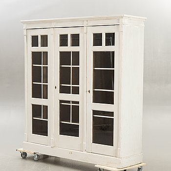 A painted display cabinet early 1900s.