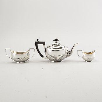A 19th century Austrian three pcs silver tea service total weight 266 gr.