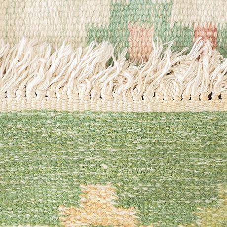 Matta, slätväv, ca 189 x 136,5-139,5 cm, signerad ils.