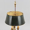 A bouillotte table lamp, around the year 1900.