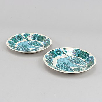 Two porcelain plates by Birger Kaipiainen for Arabia, Finland.