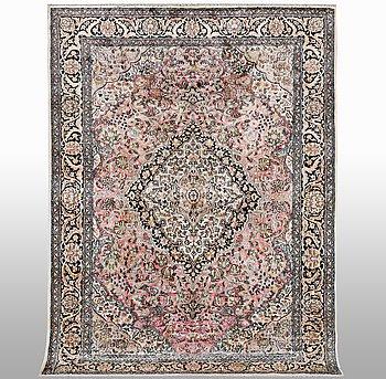Matto, Kashmir silk, ca 270 x 180 cm.