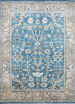 A carpet, Mamluk design, ca 322 x 244 cm.