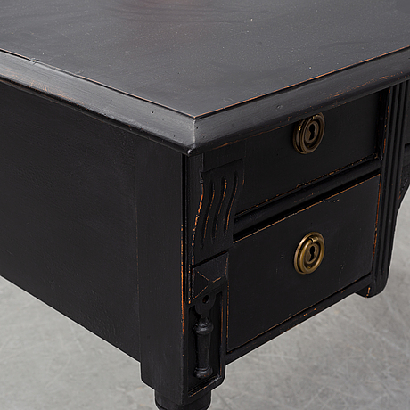 A painted writing desk from around the year 1900.