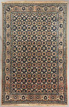A semiantique oriental carpet ca 332 x 214 cm.