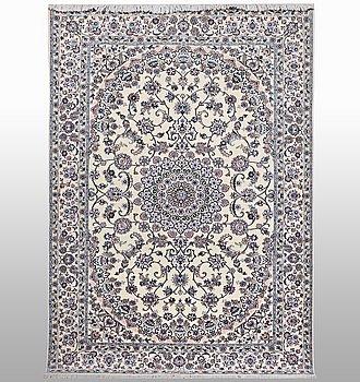 A rug, Nain, part silk, 6 LAA, ca 250 x 160 cm.