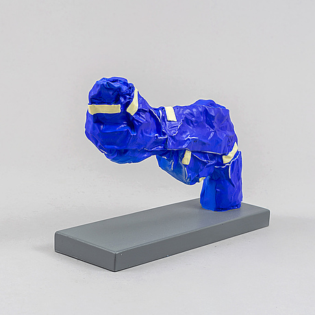 Carl-fredrik reuterswärd/ the non-violence project foundation, a polyresin sculpture 2017, certificate numbered 13/30.