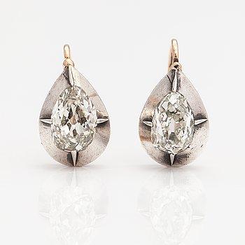 Örhängen, 14K guld och silver, gammalslipade diamanter ca 1.80 ct tot.