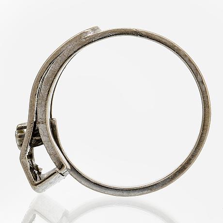 Elon arenhill, ring 18k vitguld med 3 briljanter ca 0,15 ct totalt, storlek 18,5/58.