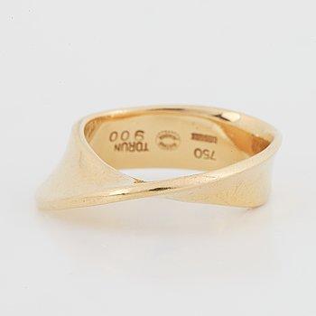 "Vivianna Torun Bülow-Hübe, Georg Jensen, ring, ""Möbius"" 18K gold."