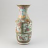 A group of 9 porcelain objects, chinese and japanese, 18th-20th century.