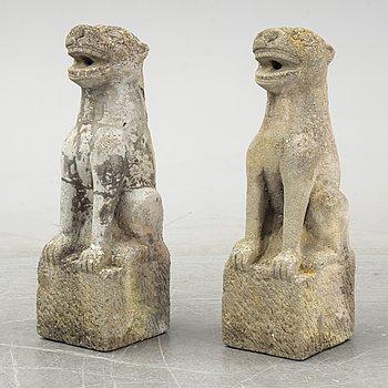 A pair of garden sculptures, late 20th Century.