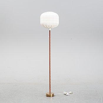 A model 563 floor light by Hans Bergström for Ateljé Lyktan, second half of the 20th Century.