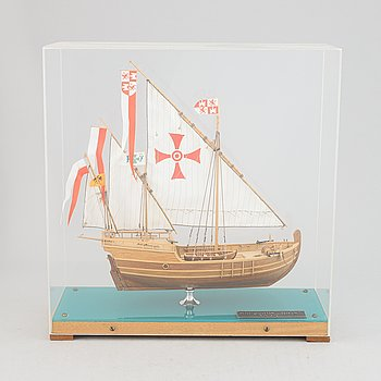 A wooden scale model of the 'Nina'.