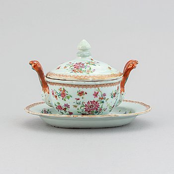 A famille rose butter tureen with cover and stand, Qing dynasty, Qianlong (1736-95).