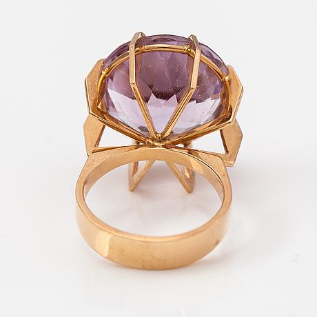 Elis kauppi, a 14k gold and amethyst ring. kupittaan kulta, turku.