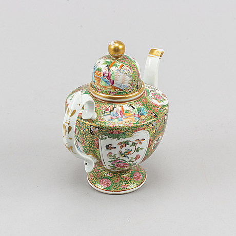 A famille rose canton teapot with cover, qing dynasty, late 19th century.