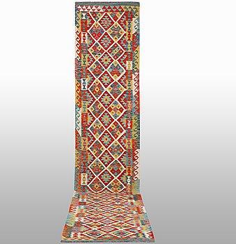 Matta, Kelim, ca  508 x 82 cm.