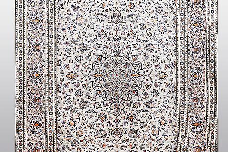 A carpet, kashan 350 x 246 cm.