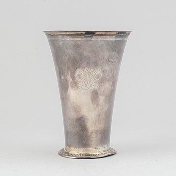 A silver beaker by GAB, Stockhol,, 1935.