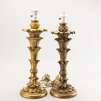 A pair of gilded Italien wood table lamps mid 1900s.