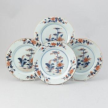 A set of four imari dishes, Qing dynasty, Qianlong (736-95).